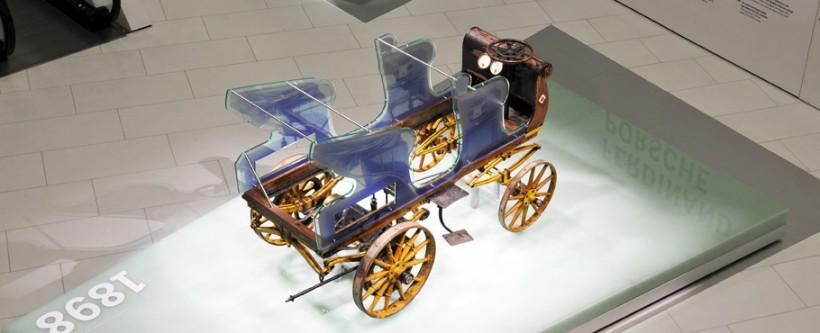 http://www.porsche.com/museum/en/